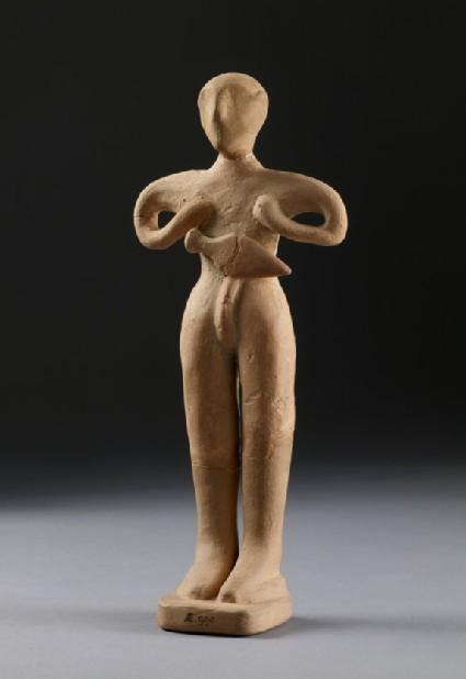 Human figurine, male with dagger