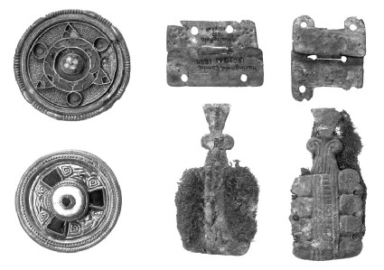 Wrist-clasp with some traces of textile preserved