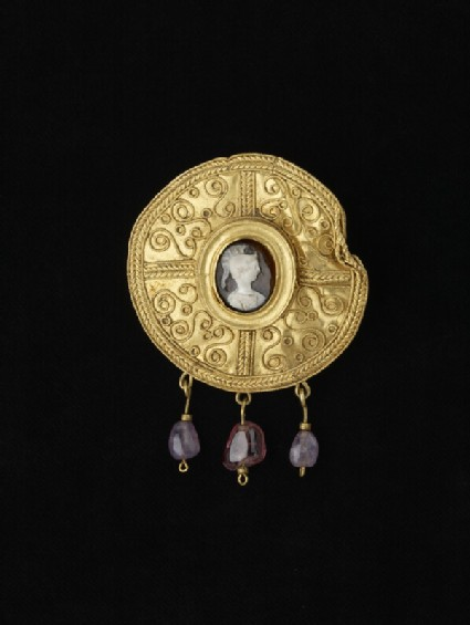 Disc brooch with cameo, helmeted figure perhaps Athena