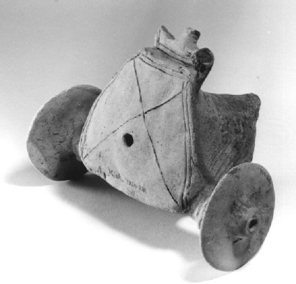 Model chariot with two-wheel straddle car