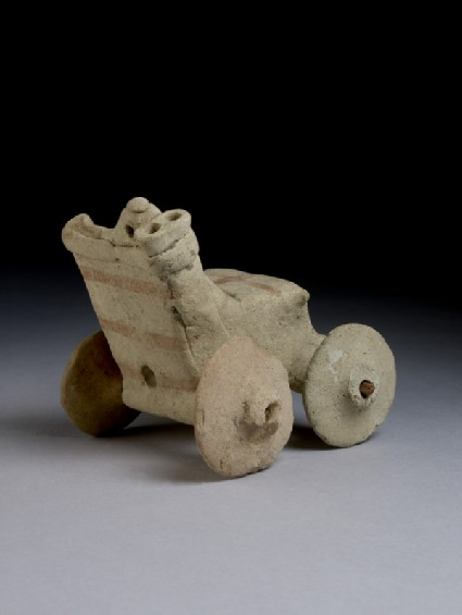 Model chariot with four-wheeler battle car