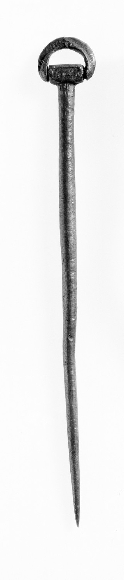 Ring-headed pin