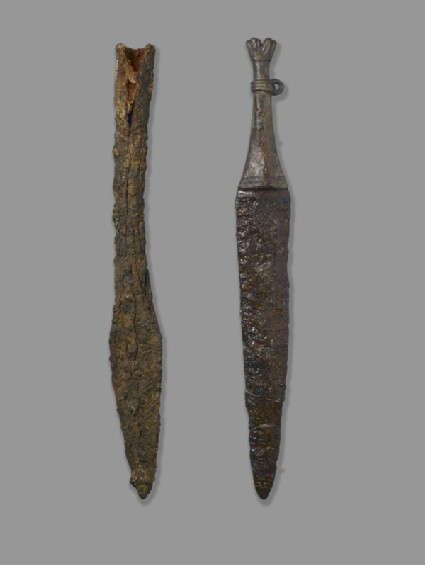 Socketed spear head