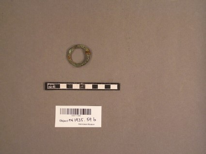 Annular brooch, round in section, lacking pin