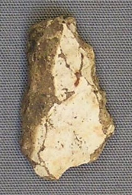 Arrowhead, leaf-shaped, with tip missing