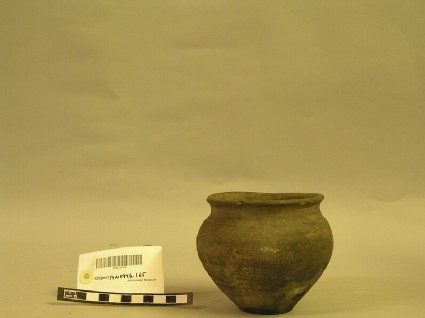 Olla with two incised concentric circles