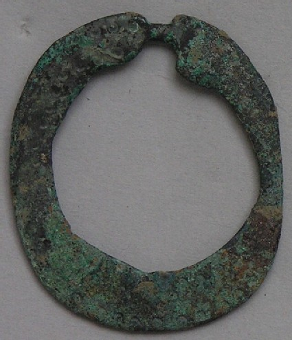 Flat annular brooch