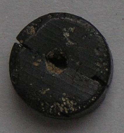 Kimmeridge shale bead