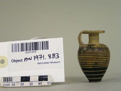 Late Protocorinthian Subgeometric pottery ovoid aryballos