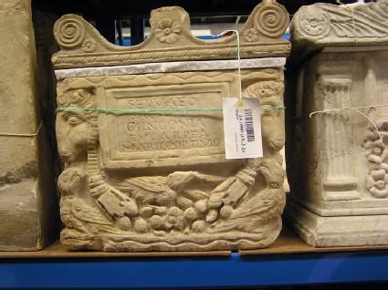 Cippus and cover with Latin inscription for Servaeus Sagaris