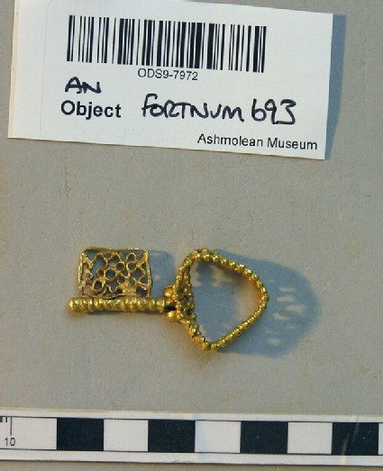 Emblematic finger-ring in the form of an openwork key