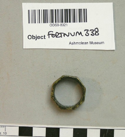 Finger-ring with star and S-motifs