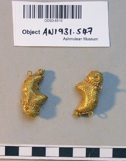 Gold earrings in the form of sheep