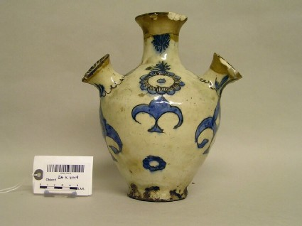 Spouted vase with flowers and palmettes