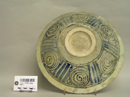 Bowl with spirals