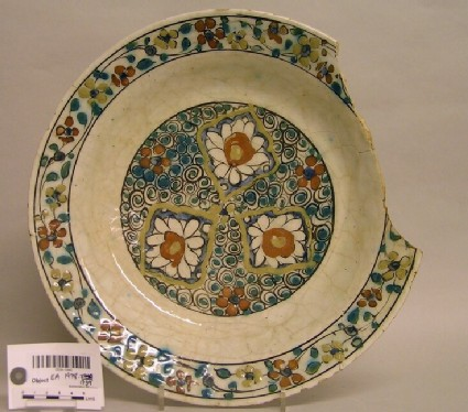 Fragmentary dish with flowers