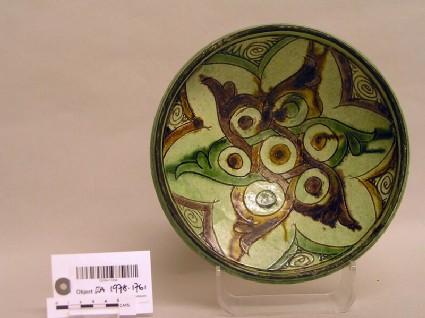 Bowl with interlocking palmettes