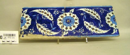 Rectangular tile with medallions and saz leaves