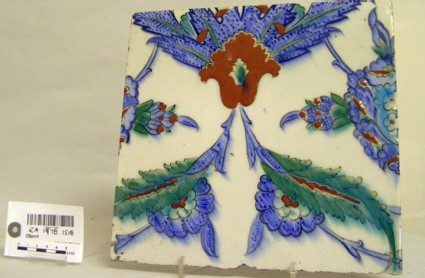 Tile with flowers and saz leaves