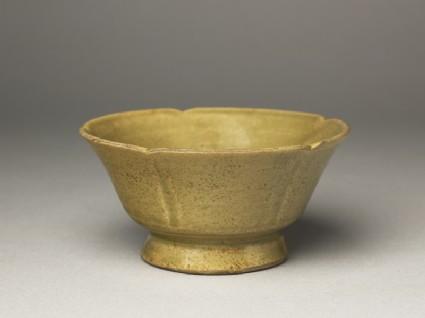 Five-lobed greenware stem cup