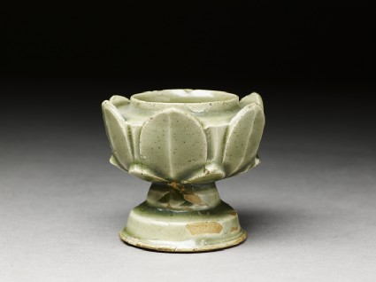 Greenware cup stand with petal decoration