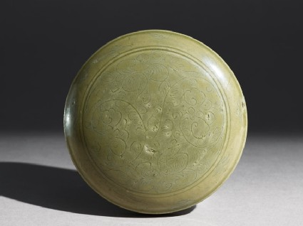 Greenware box with floral decoration