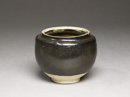Black ware globular jar
