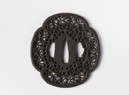 Mokkō-shaped tsuba with interlocking circles