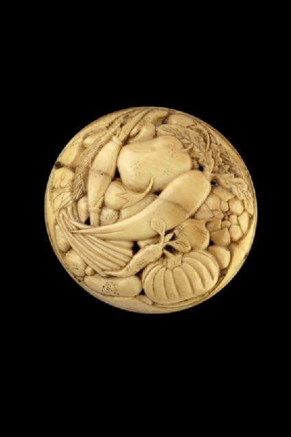 Ryūsa-style netsuke with vegetables