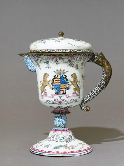 Armorial jug in European shape