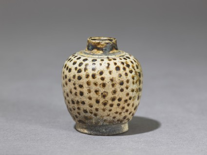 Jarlet with dotted decoration