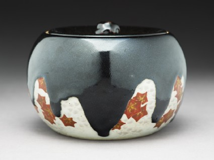 Mizusashi, or water jar, with maple leaves