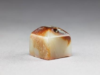 Jade seal with pyramidal top
