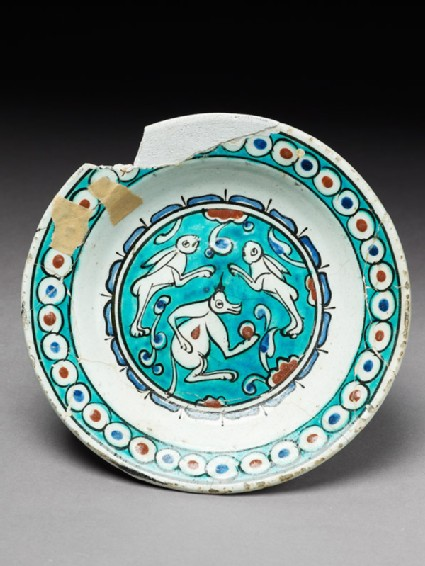 Dish with animals