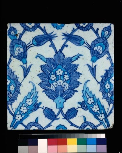 Square tile with leaves and tulips
