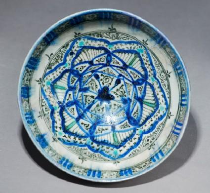 Bowl with interlacing stars