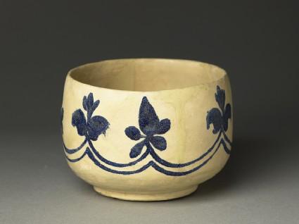 Mortar-shaped bowl with vegetal decoration