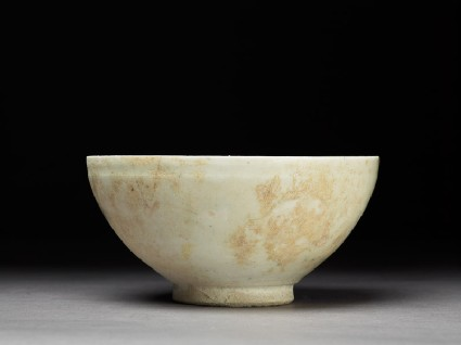 Bowl with white glaze