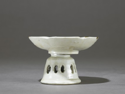White ware dish and stand