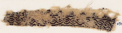 Textile fragment with interlacing chain