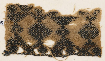 Textile fragment with linked diamond-shapes and hooks