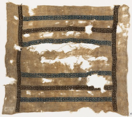 Textile fragment with S-shapes, possibly from a square cover or kerchief