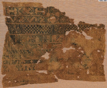 Sampler fragment with parallel bands containing S-shapes and hexagons