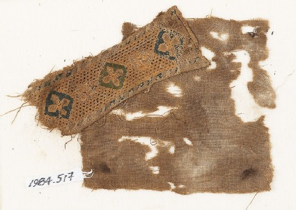 Textile fragment with quatrefoils set into diamond-shapes