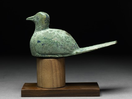 Finial ornament in the form of a dove