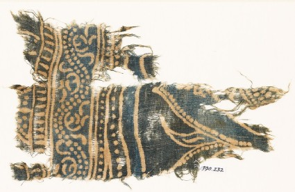 Textile fragment with dotted vine and part of a design of arches