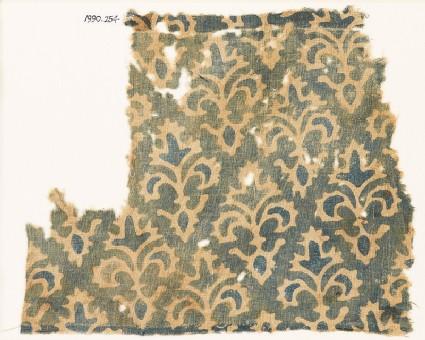Textile fragment with stylized trefoil plants
