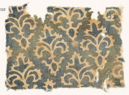 Textile fragment with stylized quatrefoil plants