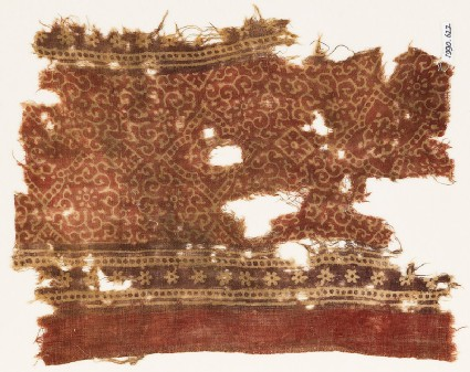Textile fragment with tendrils, flowers, quatrefoils, and rosettes