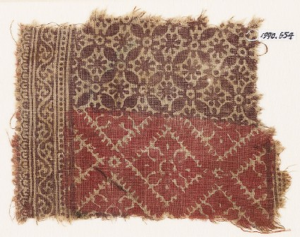 Textile fragment with interlocking quatrefoils and rosettes, and squares with quatrefoils